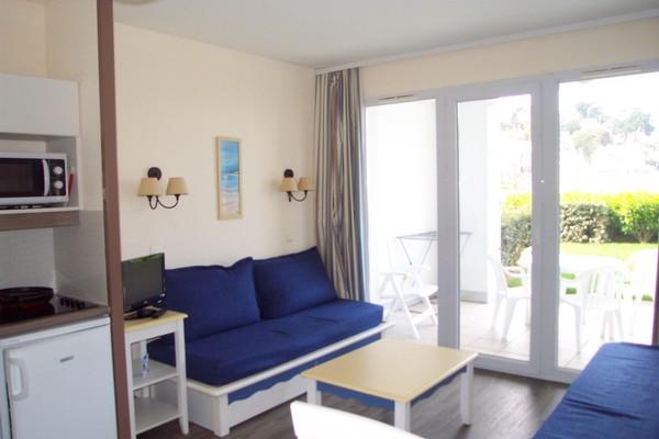 location saisonni re en r sidence de tourisme sur plage tr boul douarnenez en bretagne finist re s. Black Bedroom Furniture Sets. Home Design Ideas